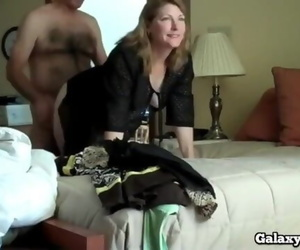 Fucking Horny Cougar on first Date in Hotel Room