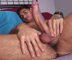 Very hot latin papi Fernando shows us his huge cock!