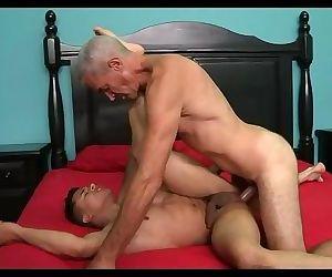 Viejo culiao coshino le guta meterle el pico al negro weno pa la pichula