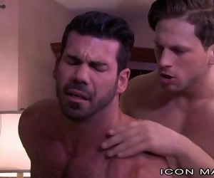 IconMale Billy Santoro Passionate Bottoming