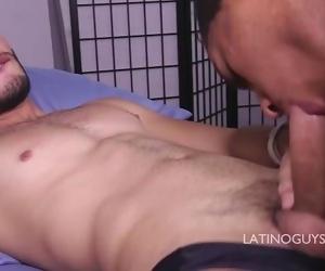 HOT LATINO RAPPER FUCKS HIS LATINO BABE