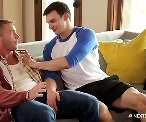 NextDoorBuddies Squatter Caught By Hot Hunk