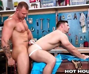 HotHouse Austin Wolf Stuffs Handymans Hole