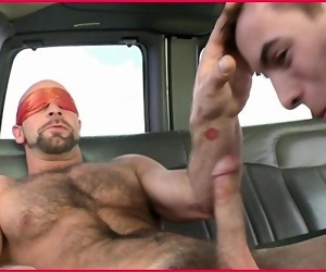 BAIT BUS - Dirk Willis and Kyro Newport Go Head To Head In A Moving Van