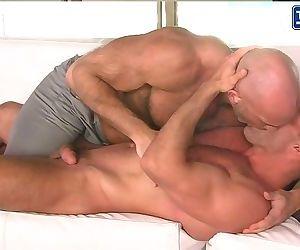 RENT: Muscle Daddies Jesse Jackman & Bruce Beckham