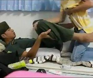 เย็ด นัà¸Âà¹€à¸£à¸µà¸¢à¸™ รด. fuck thai student army