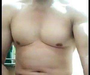 vietnamese muscle daddy cumshot trai già sục cặc