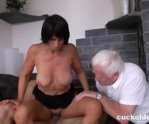 Old Man Capture Jism off His Wife Yetta 11 min