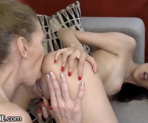 21Sextreme Teenager & Granny Pool Foreplay for Lezzie Ass..
