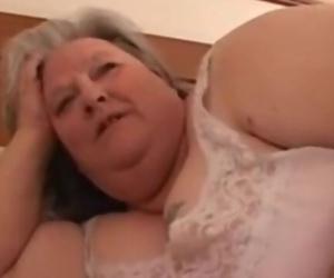 Mas De La Abuela Super Gordita Debbie. Otra Vez Da Caboose..
