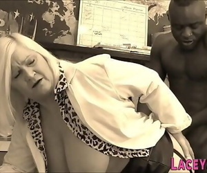 Granny doc Lacey Starr gets beaver eaten