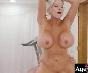 Watch an powerful pound rubdown with this warm mature..