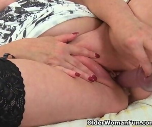British Mummy Alisha Rydes Touches her Huge Knockers and..