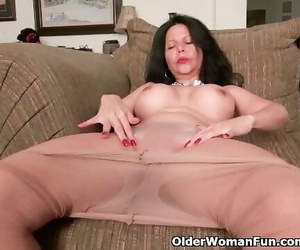Chesty MILF April White Takes off her Soaked Undies