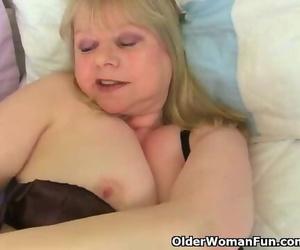 English Granny Amanda Degas Smallish her old Vagina with a..