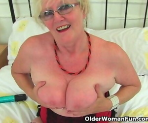 British GILF Claire Knight Feels like a Superb Plunging