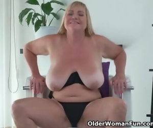 Euro GILF Pem Pounds her old Pussy with a Fake penis