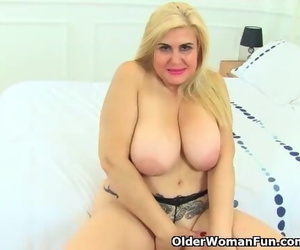 Spanish MILF Musa Libertina Oozes her Shaved Vagina