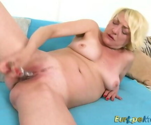EuropeMaturE Warm Girl Amanda Solo Pussy Play