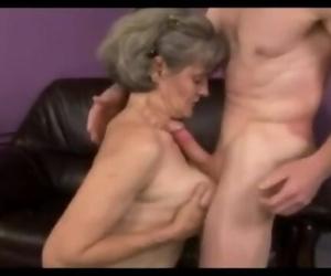 A Grannny Plays