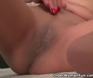 American Granny April White Works her old Pussy with..