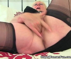 English Granny Claire Knight Works her old Cunt