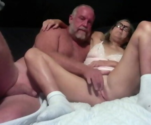 Hot Mummy makes out with Spouse and Gets her Pussy..