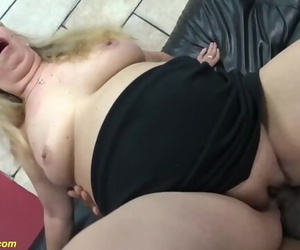 Chubby Moms first Multiracial Lovemaking