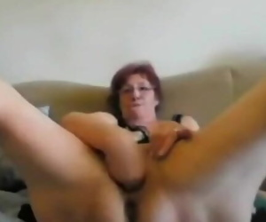 Horny Granny Knuckles herself on Cam