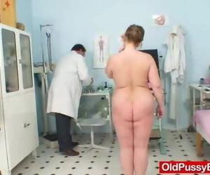 Well-endowed Gran Vilma old Cunt Deep Inspection