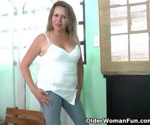 Latina Mummy Cintia Undresses off and Masturbates