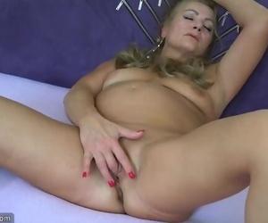 Super-sexy old Granny, Granny Masturbate, Mature Play with..