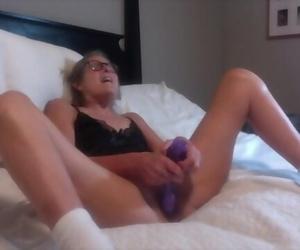 Warm Mummy Nails Fat Dildo Jizzes Hard 60 Yr old Granny..