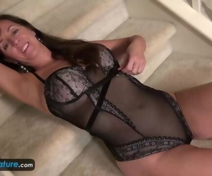 EuropeMaturE Older Woman Rose Solo