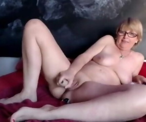 SpicyHoneyMilf Secret Webcam Show Filming Hot Granny with..