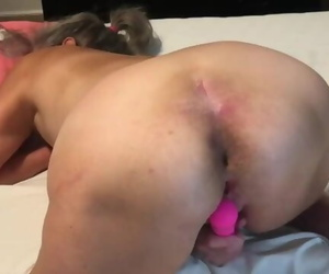 Hot MILF Spreads her Arse Bullwhips Fashion and Vibes Raw..