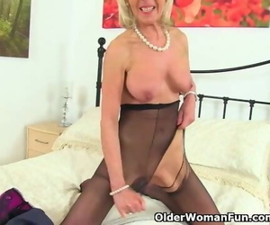 UK GILF Elaine Enjoyments her 60-year-old Love button with..
