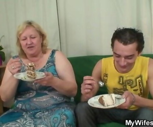He is Lured into Hookup by Chubby Mom in Law