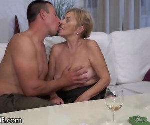 21Sextreme Huge Boob Mature Enjoys Riding Youthfull Cock