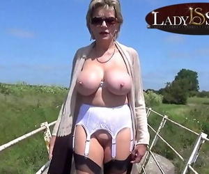 Mature Babe Lady Sonia Plays with her Vagina Outdoors