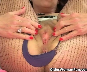 British Granny Georgie Enjoys Stuffing her old Beaver with..