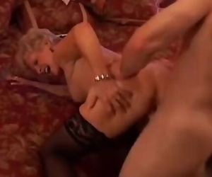 Clitoris is a Sexy Cougar who Enjoys to Tart's Successful..