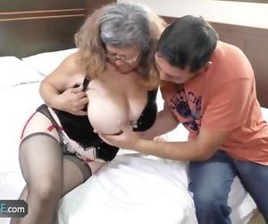 Granny Customer Deepthroats Teen Delivery Endowed
