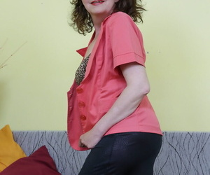 Horny granny Radek thumbs & enjoyments her old wooly pussy..
