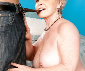 Naked granny Nub giving a big cock oral hook-up pleasures..