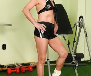 Sporty dickblowers granny with lil' tits disrobing in the..