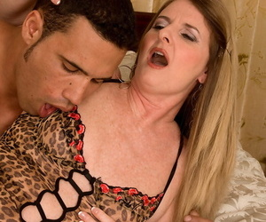 Mature lady Jeri Does concludes a rock hard nail by..