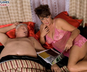 Hook-up is all Jamy Nova needs and she is allowing the..