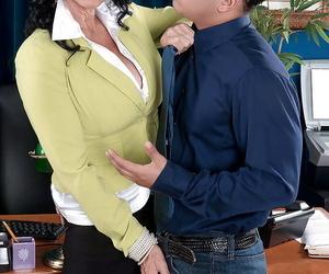 Dickblowers cougar Rita Daniels baring gigantic granny..