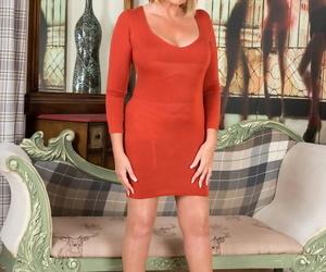 Beautiful mature Amy Goodhead liquidates her crimson..